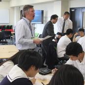 金沢辰巳丘高等学校グローバルコースの生徒が本学を見学