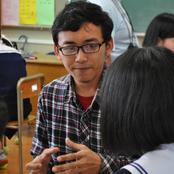 紫錦台中学校で留学生が国際交流