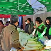熊走地区山の灯り「里」交流祭り 学生ボランティアが活躍