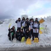サッカー部 太陽が丘で雪かきボランティア