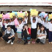 カンボジア研修 アピポワット小学校へ文具を寄贈