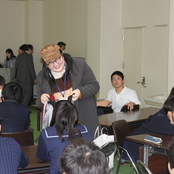 留学生が金沢辰巳丘高校の「春節交流会」に参加