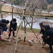 卒業記念植樹式を開催